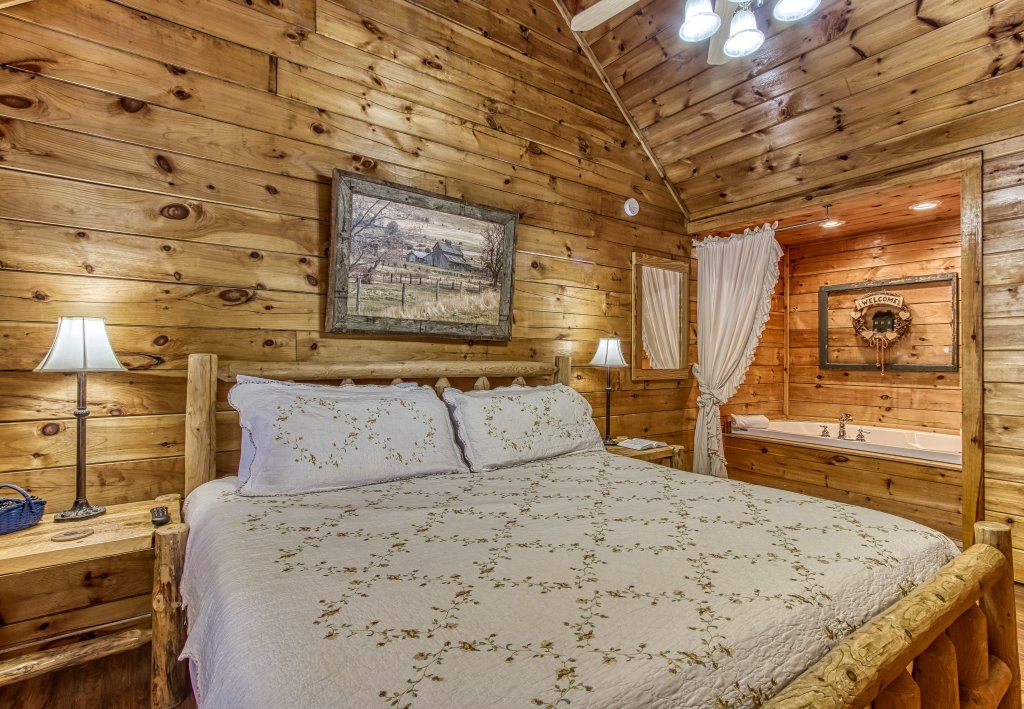 Photo of a Pigeon Forge Cabin named Lil Country Cabin #262 - This is the eighteenth photo in the set.