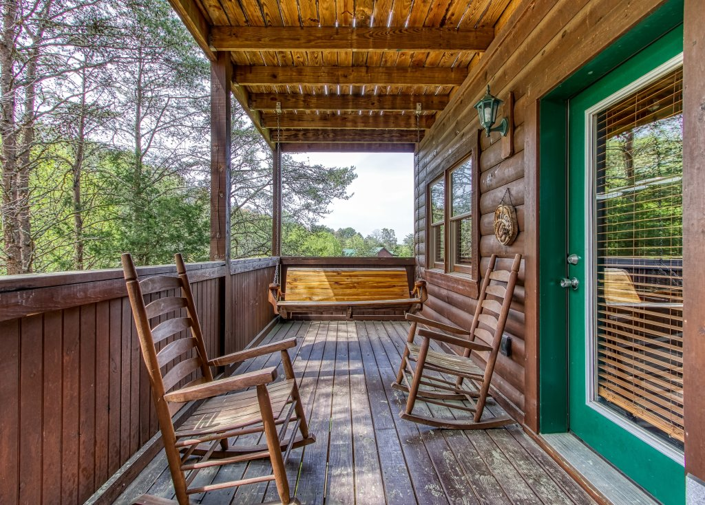 Photo of a Pigeon Forge Cabin named Lil Country Cabin #262 - This is the twenty-fifth photo in the set.