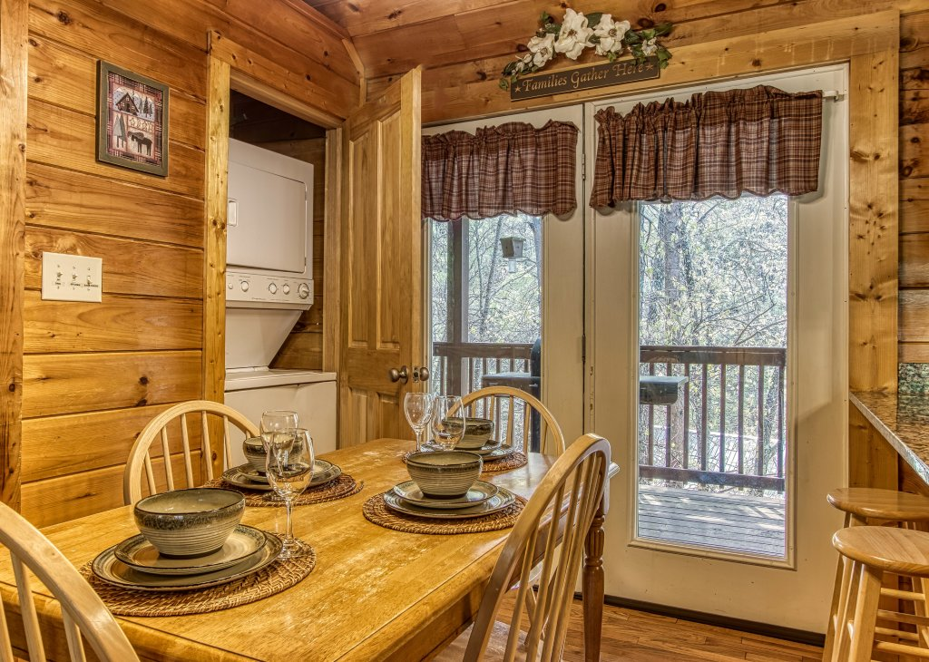Photo of a Pigeon Forge Cabin named Lil Country Cabin #262 - This is the ninth photo in the set.