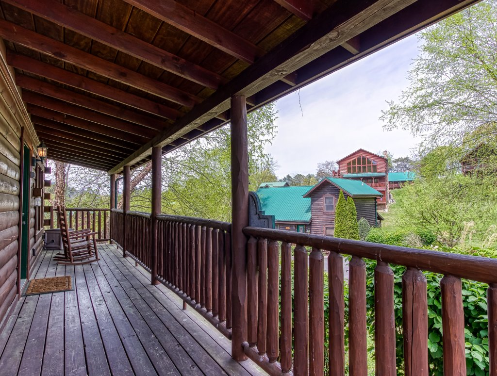 Photo of a Pigeon Forge Cabin named Lil Country Cabin #262 - This is the thirty-fifth photo in the set.