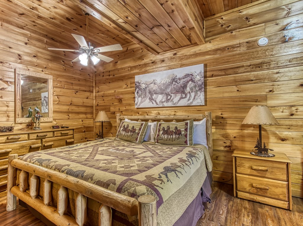 Photo of a Pigeon Forge Cabin named Lil Country Cabin #262 - This is the tenth photo in the set.