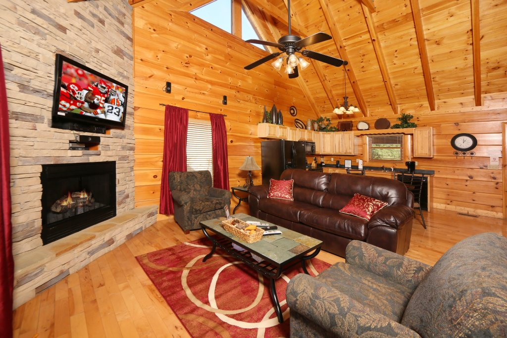 Photo of a Sevierville Cabin named Sugar Shack - This is the second photo in the set.