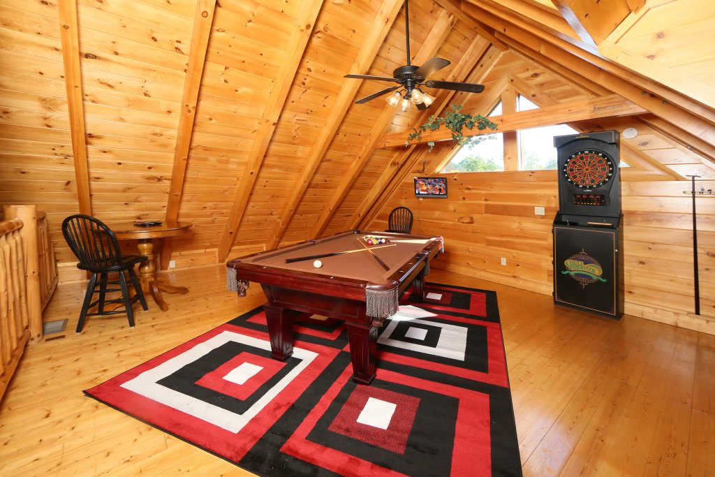 Photo of a Sevierville Cabin named Sugar Shack - This is the eighth photo in the set.