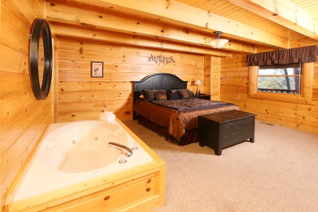 Photo of a Sevierville Cabin named Sugar Shack - This is the fifth photo in the set.