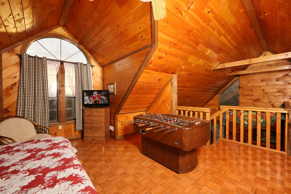Photo of a Sevierville Cabin named Windsong - This is the fifth photo in the set.