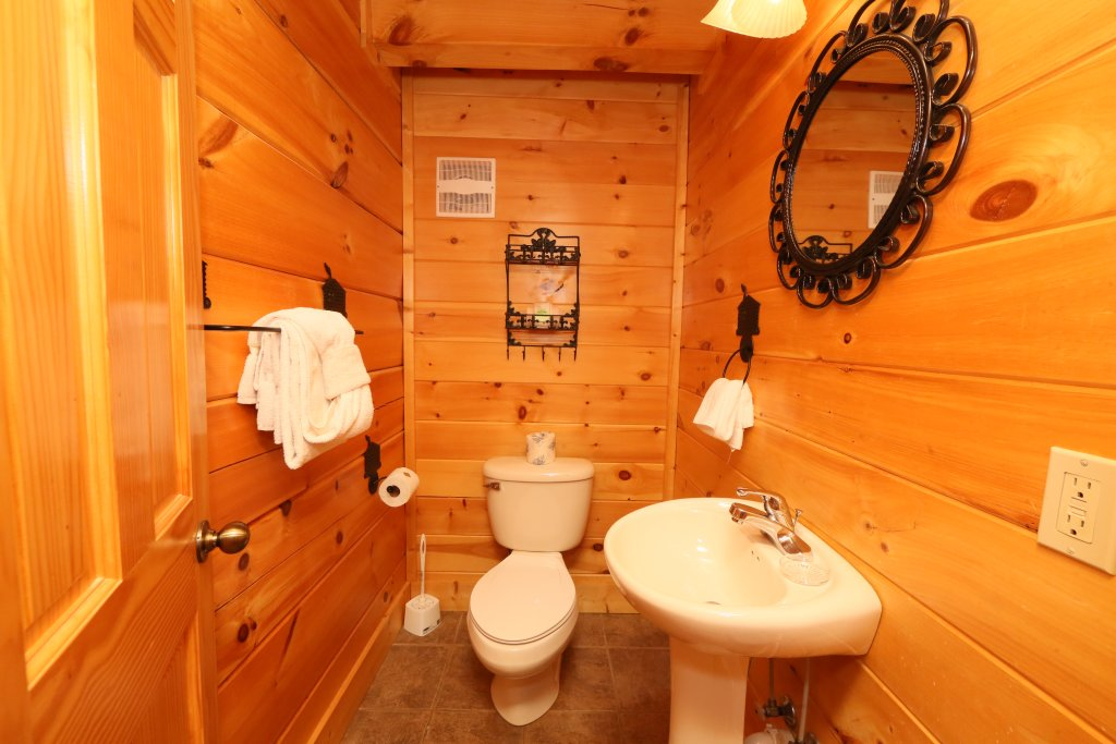 Photo of a Sevierville Cabin named Sugar Shack - This is the eleventh photo in the set.
