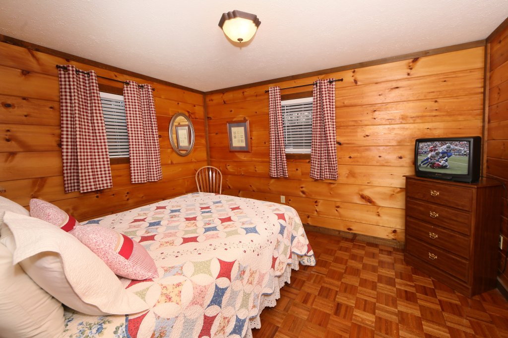 Photo of a Sevierville Cabin named Windsong - This is the seventh photo in the set.