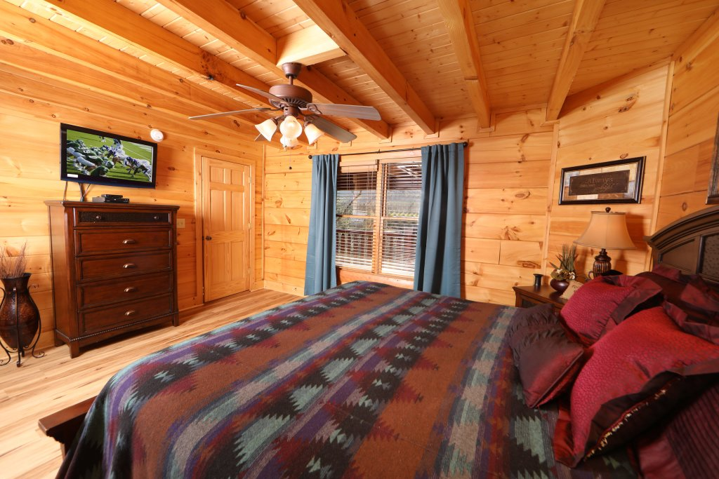Photo of a Sevierville Cabin named Moonlight And Memories - This is the eighth photo in the set.