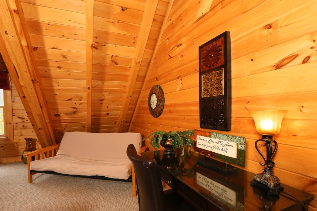 Photo of a Sevierville Cabin named Moonlight And Memories - This is the sixth photo in the set.
