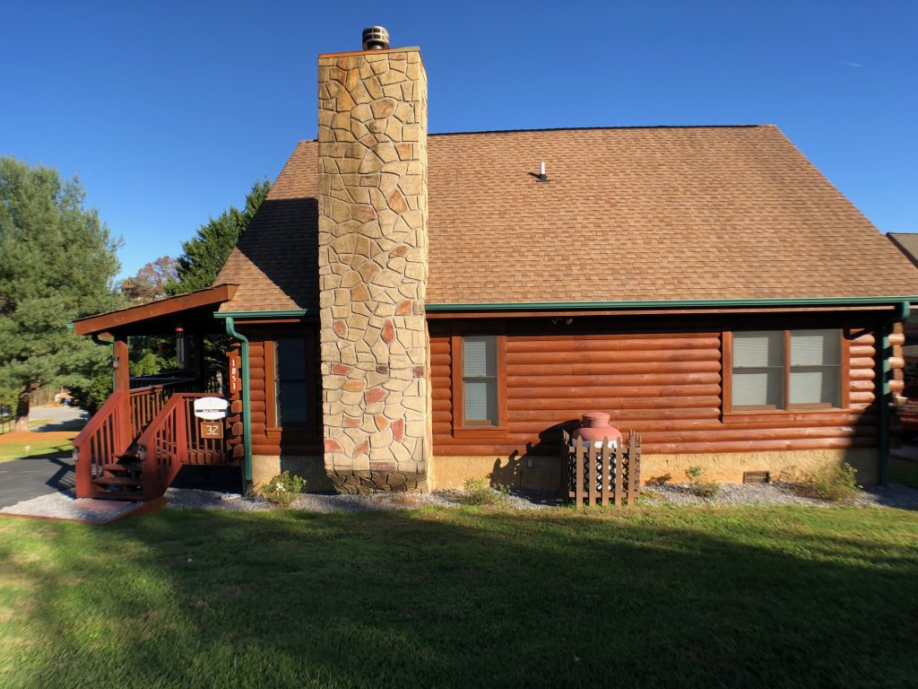 Photo of a Pigeon Forge Cabin named Bear Heaven - This is the twenty-sixth photo in the set.