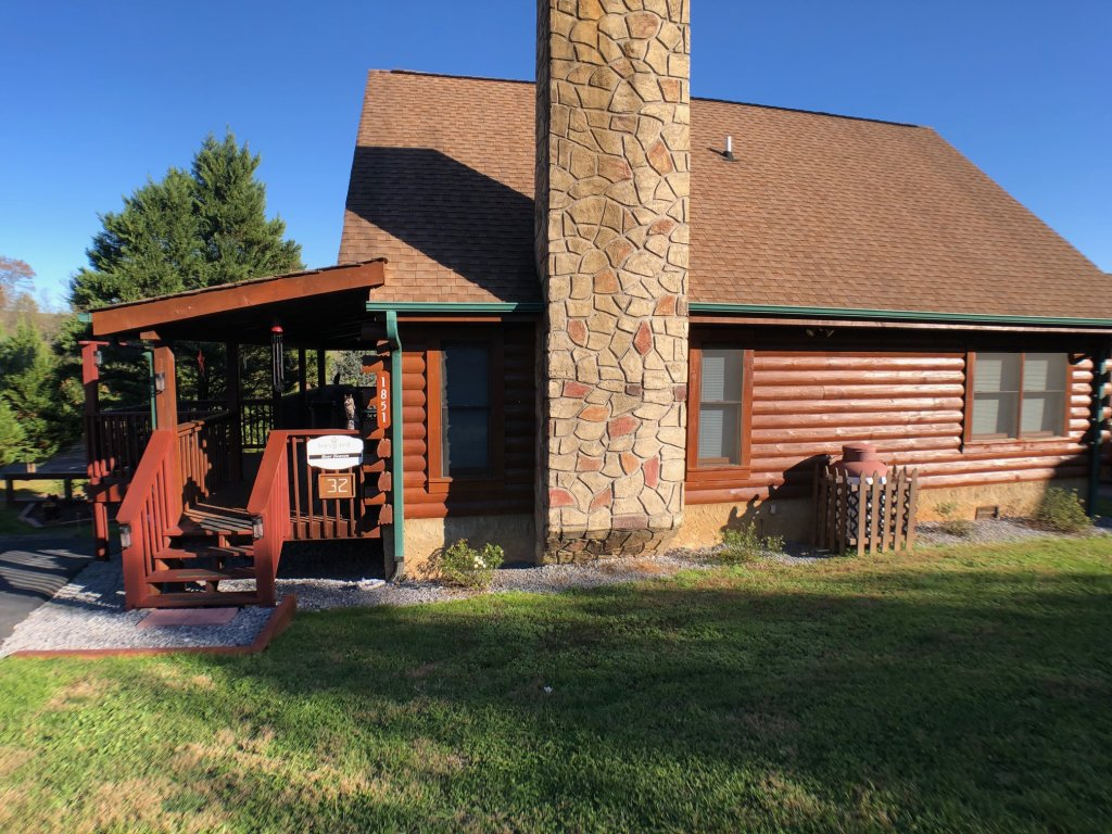 Photo of a Pigeon Forge Cabin named Bear Heaven - This is the twenty-third photo in the set.
