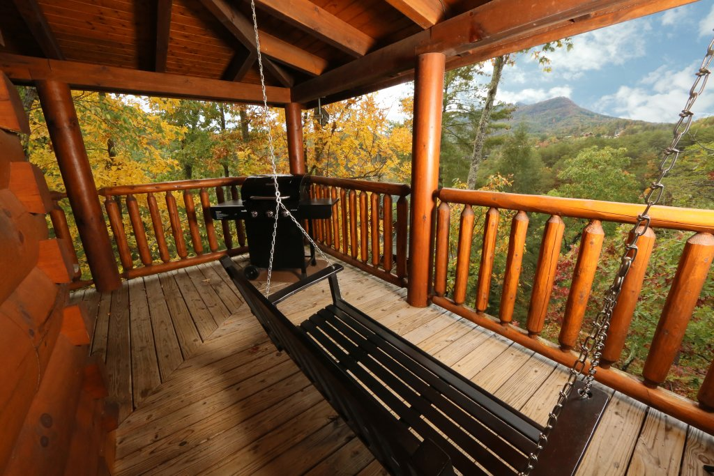 Photo of a Sevierville Cabin named Moonlight And Memories - This is the twenty-first photo in the set.