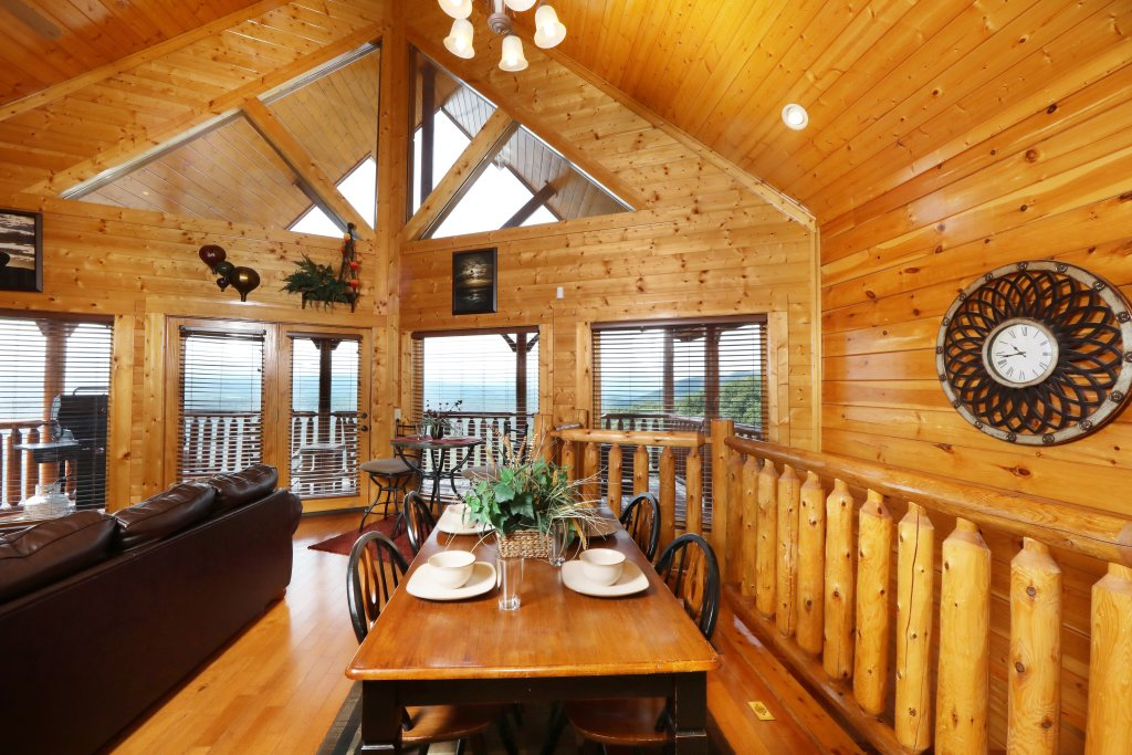 Photo of a Pigeon Forge Cabin named Up, Up & Away - This is the nineteenth photo in the set.