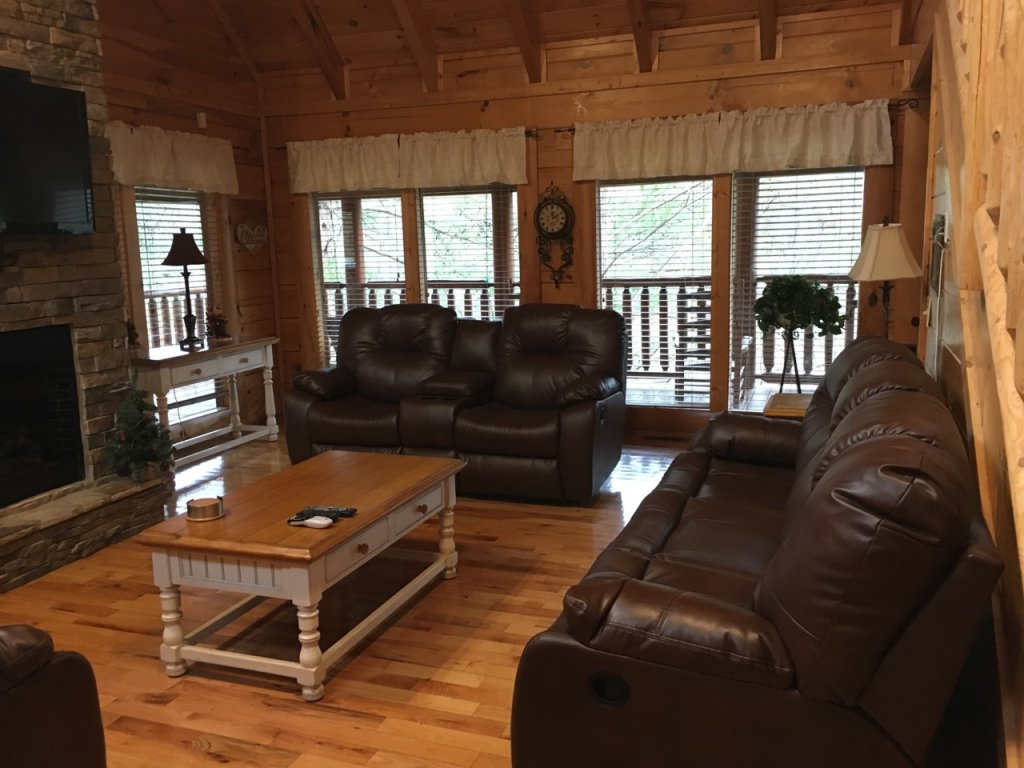 Photo of a Sevierville Cabin named Mayberry - This is the third photo in the set.