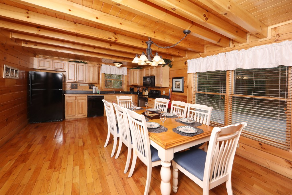 Photo of a Sevierville Cabin named Mayberry - This is the twenty-second photo in the set.