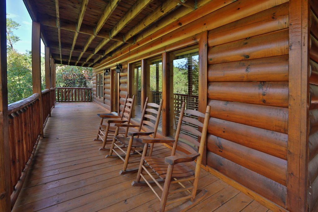 Photo of a Sevierville Cabin named Mayberry - This is the thirty-fourth photo in the set.