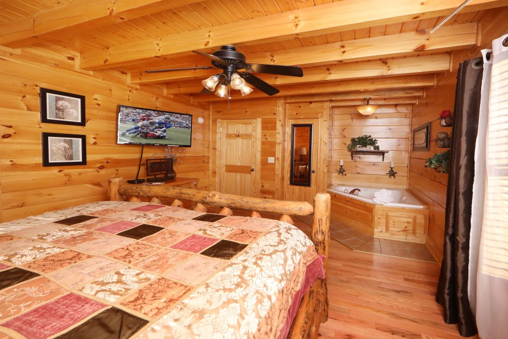 Photo of a Sevierville Cabin named Amazing Grace - This is the fifth photo in the set.