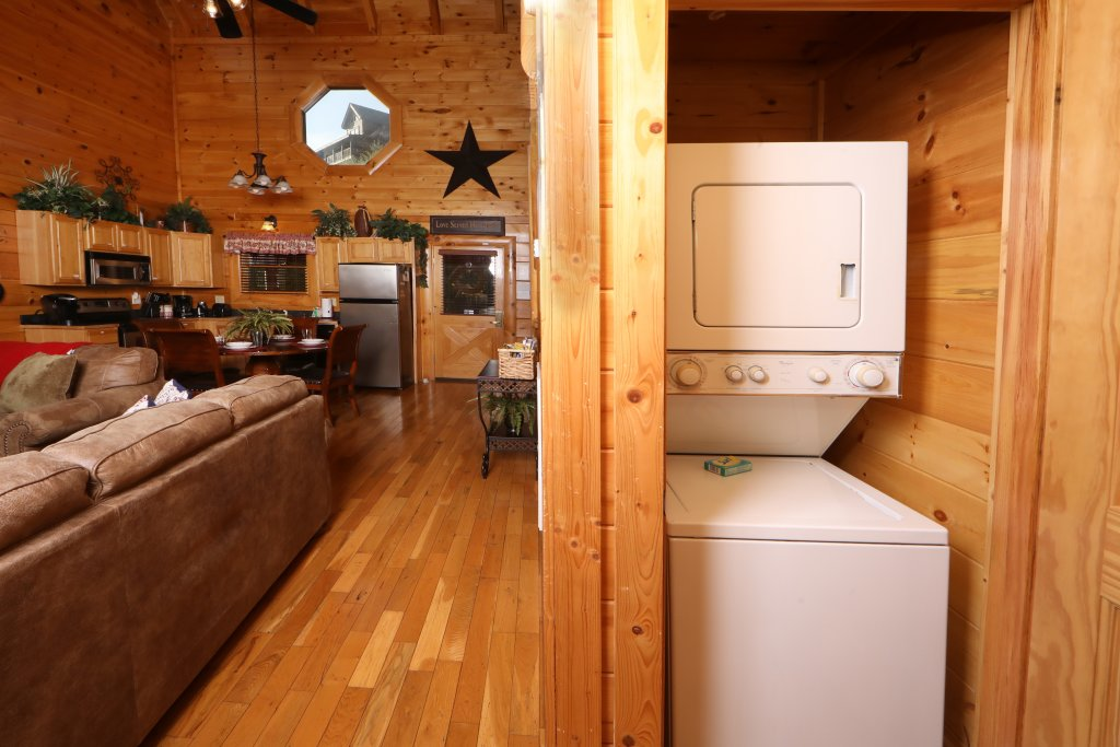 Photo of a Sevierville Cabin named Amazing Grace - This is the twentieth photo in the set.