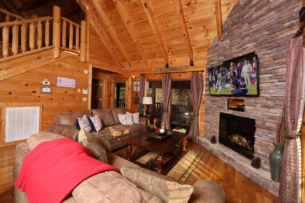 Photo of a Sevierville Cabin named Amazing Grace - This is the third photo in the set.