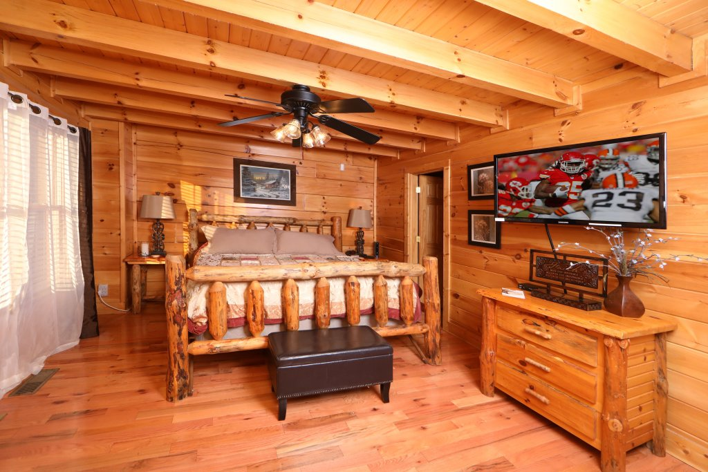Photo of a Sevierville Cabin named Amazing Grace - This is the eleventh photo in the set.