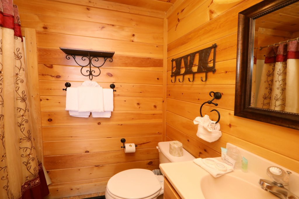 Photo of a Sevierville Cabin named Amazing Grace - This is the ninth photo in the set.