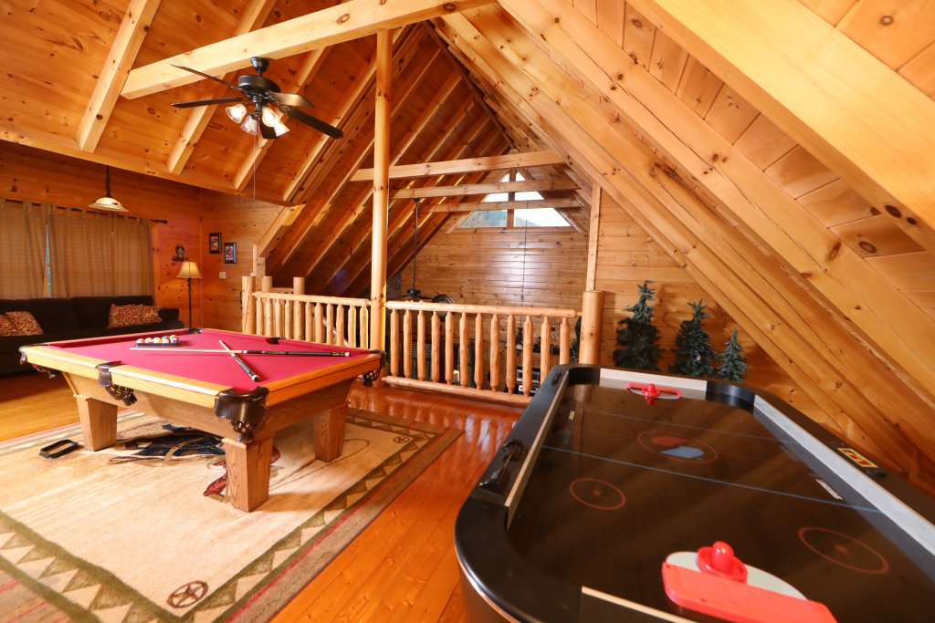 Photo of a Sevierville Cabin named Amazing Grace - This is the seventeenth photo in the set.