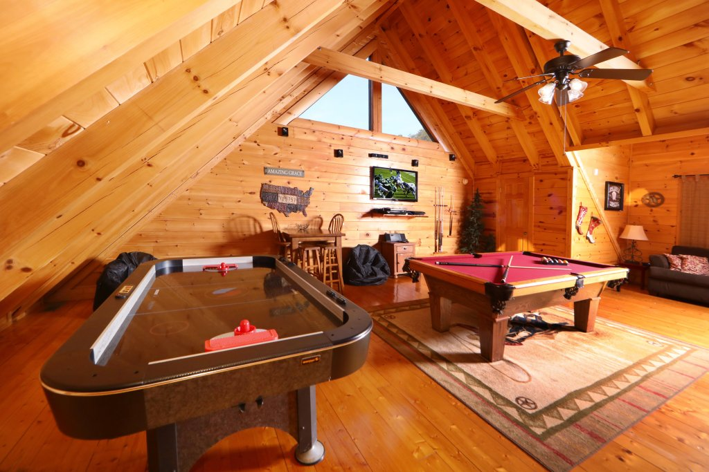Photo of a Sevierville Cabin named Amazing Grace - This is the sixteenth photo in the set.