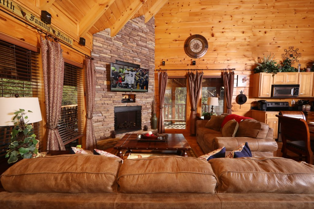 Photo of a Sevierville Cabin named Amazing Grace - This is the fourth photo in the set.