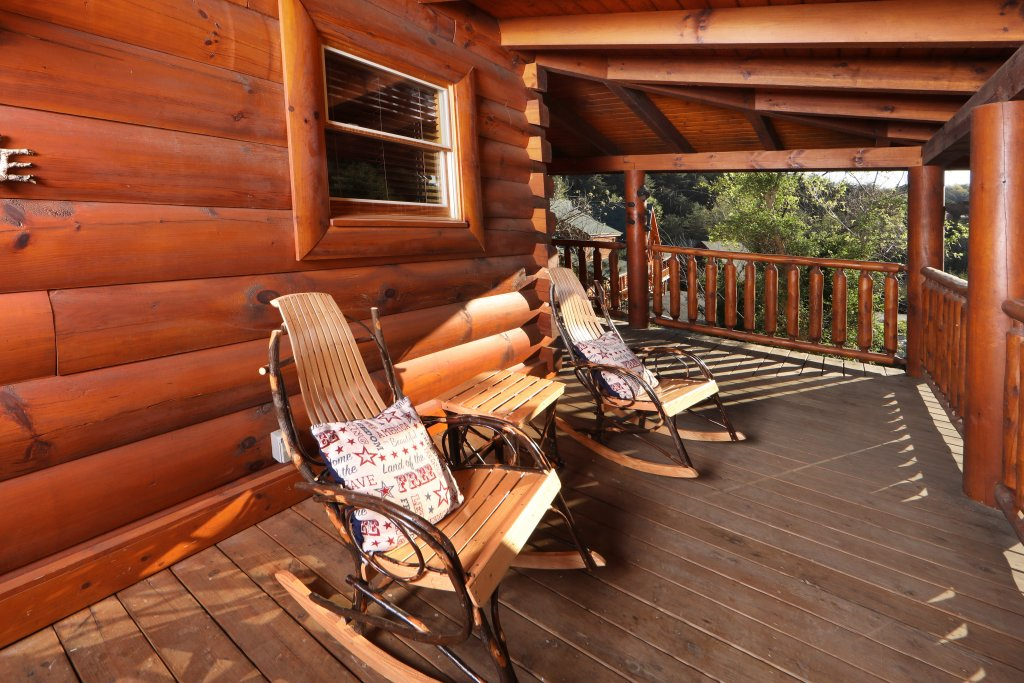 Photo of a Sevierville Cabin named Amazing Grace - This is the twenty-seventh photo in the set.
