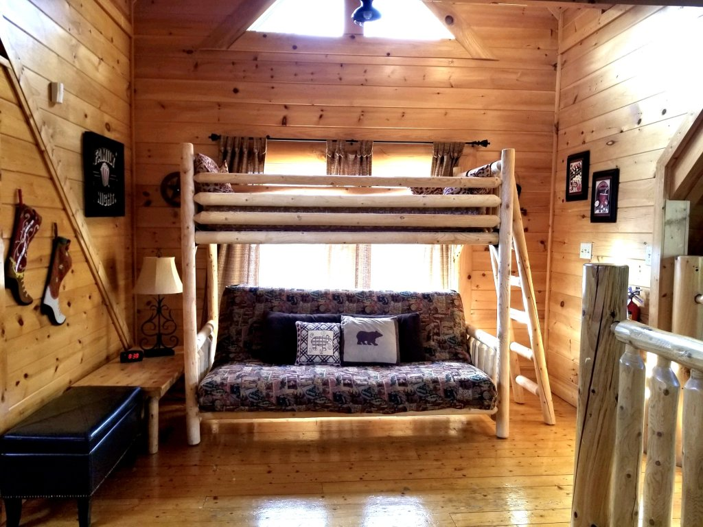 Photo of a Sevierville Cabin named Amazing Grace - This is the eighteenth photo in the set.