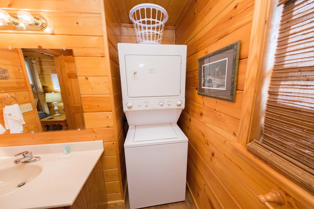 Photo of a Pigeon Forge Cabin named Drift Away - This is the twelfth photo in the set.
