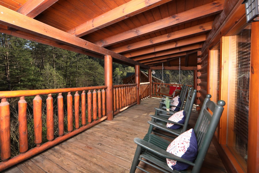 Photo of a Sevierville Cabin named Amazing Grace - This is the twenty-eighth photo in the set.