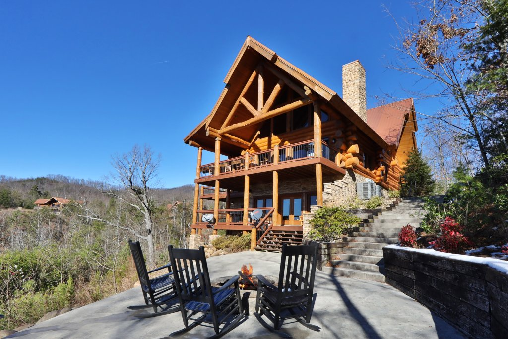 Photo of a Gatlinburg Cabin named The Lodge Of Gatlinburg - This is the first photo in the set.