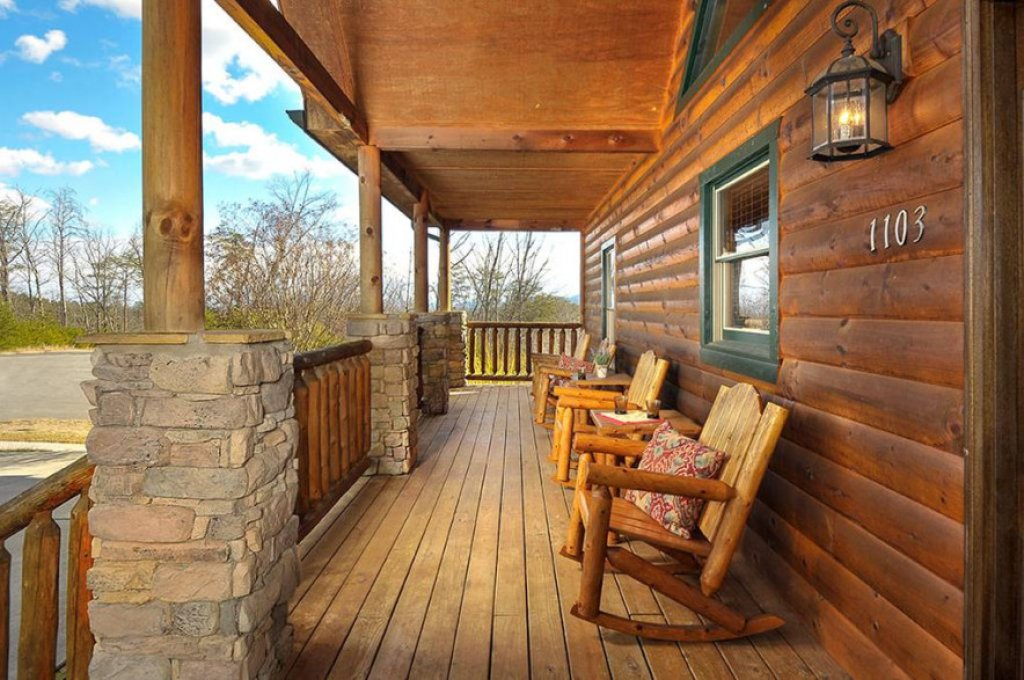 Photo of a Pigeon Forge Cabin named Dancing Bear Lodge - This is the twenty-ninth photo in the set.