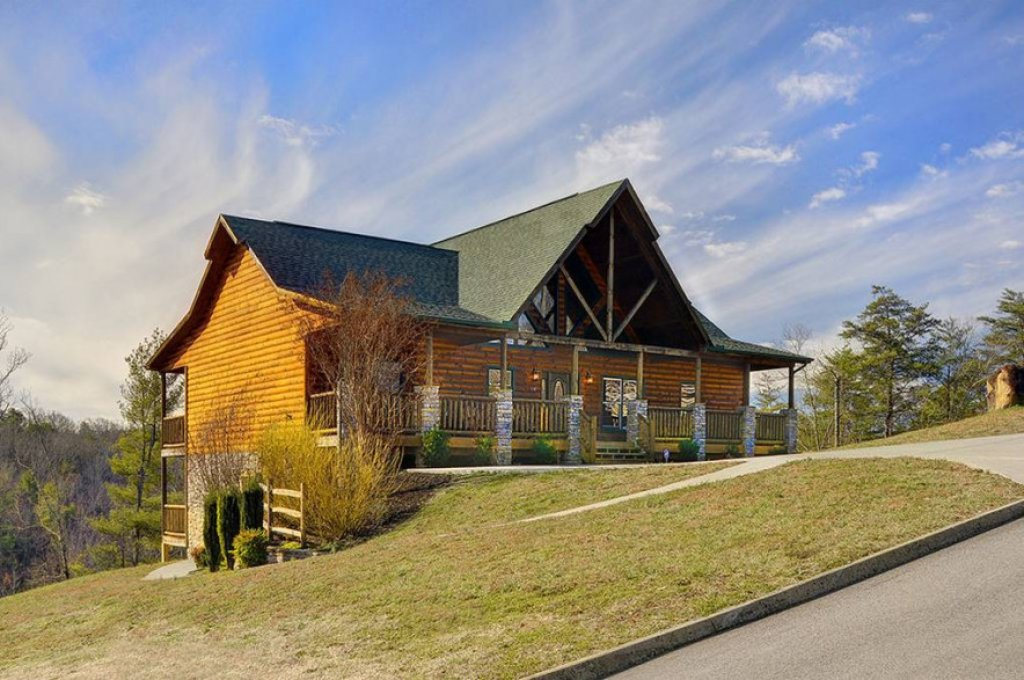 Photo of a Pigeon Forge Cabin named Dancing Bear Lodge - This is the thirty-first photo in the set.