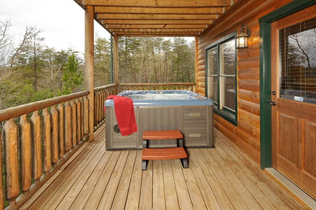 Photo of a Pigeon Forge Cabin named Dancing Bear Lodge - This is the twenty-seventh photo in the set.