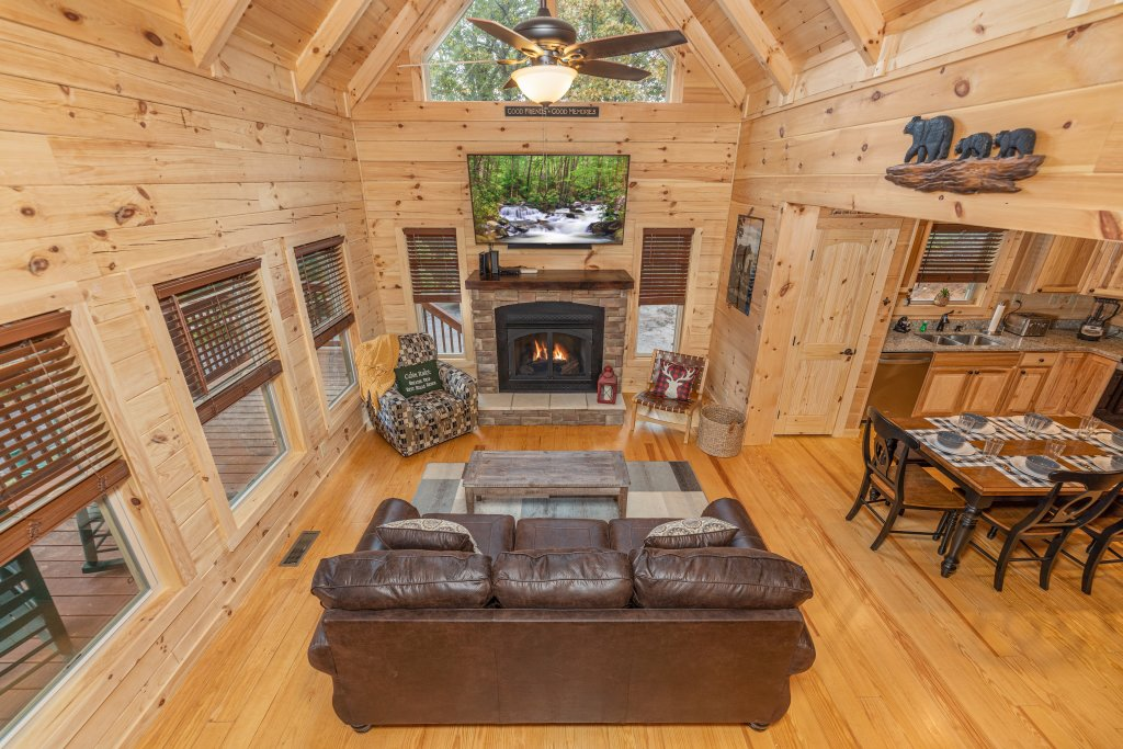 Photo of a Gatlinburg Cabin named Smoky Retreat - This is the fifth photo in the set.