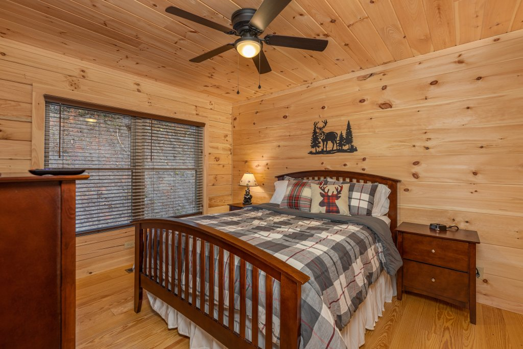 Photo of a Gatlinburg Cabin named Smoky Retreat - This is the seventh photo in the set.