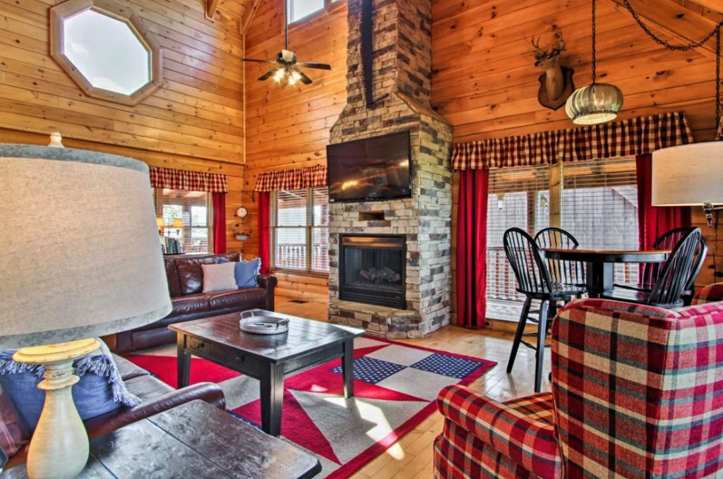Photo of a Sevierville Cabin named Tennessee Star Lodge - This is the fourth photo in the set.