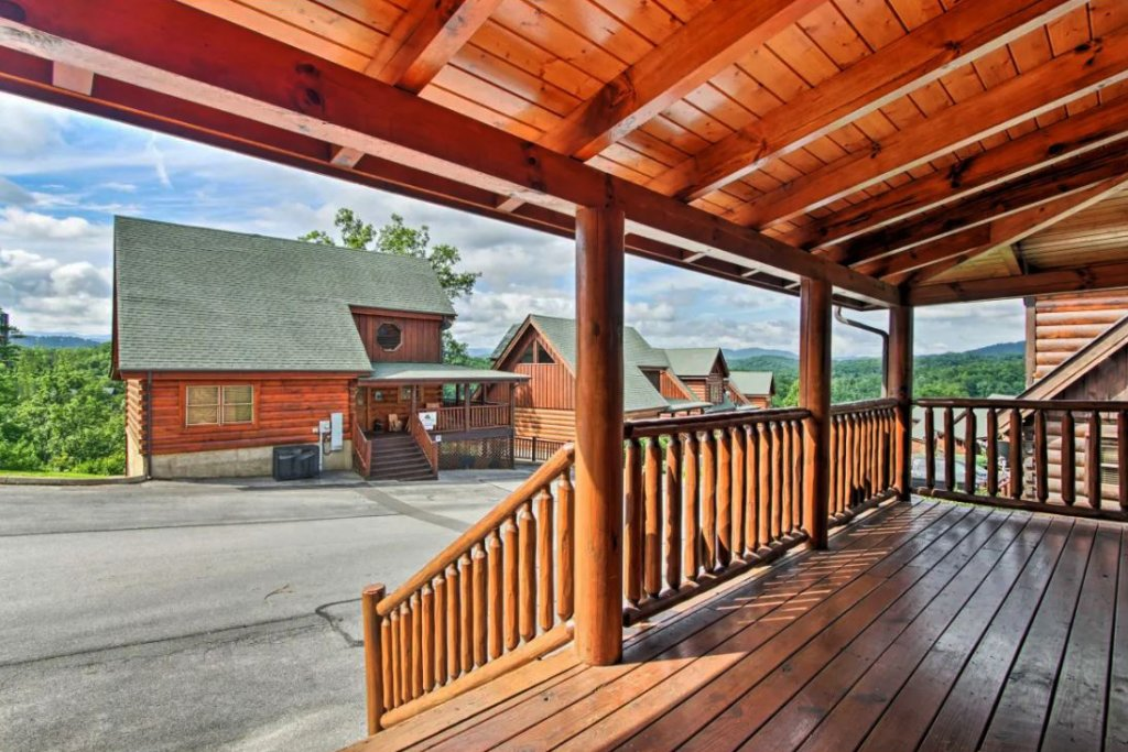 Photo of a Sevierville Cabin named Tennessee Star Lodge - This is the thirty-first photo in the set.