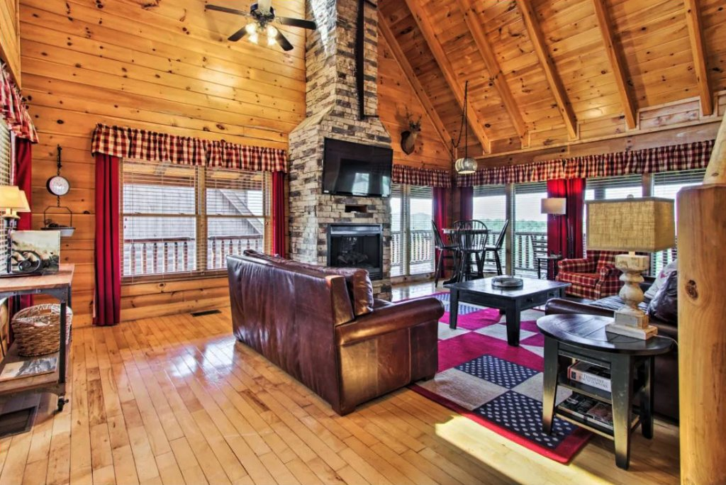 Photo of a Sevierville Cabin named Tennessee Star Lodge - This is the third photo in the set.