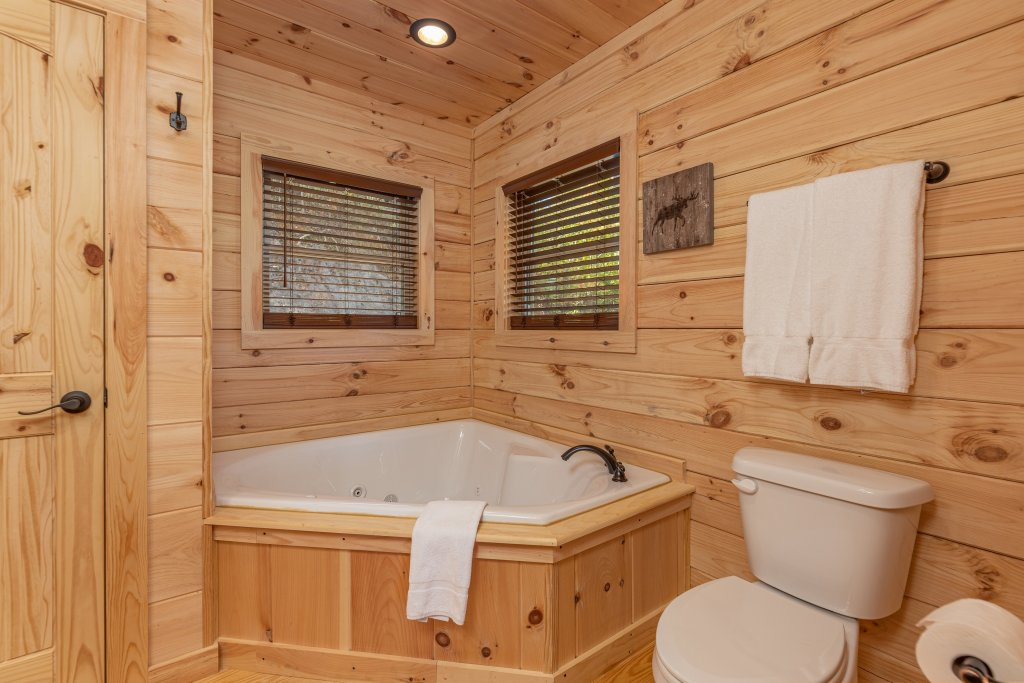 Photo of a Gatlinburg Cabin named Smoky Retreat - This is the eighth photo in the set.