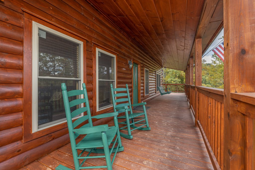 Photo of a Gatlinburg Cabin named Smoky Retreat - This is the twentieth photo in the set.