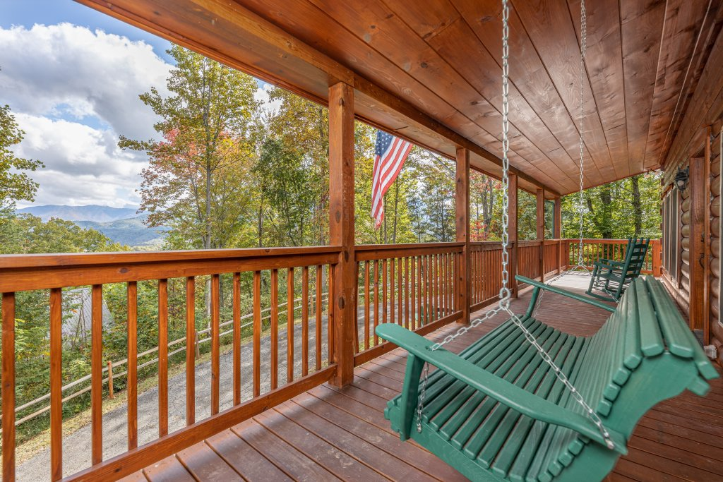 Photo of a Gatlinburg Cabin named Smoky Retreat - This is the twenty-second photo in the set.