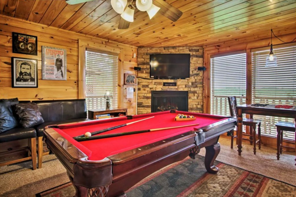 Photo of a Sevierville Cabin named Tennessee Star Lodge - This is the twenty-third photo in the set.