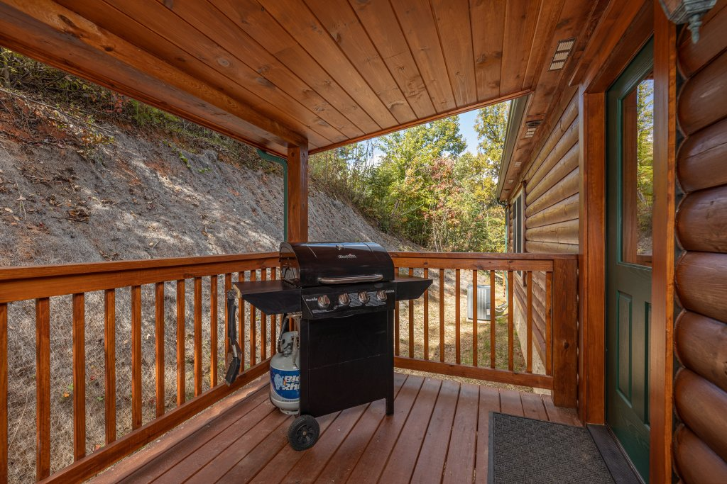 Photo of a Gatlinburg Cabin named Smoky Retreat - This is the twenty-fifth photo in the set.