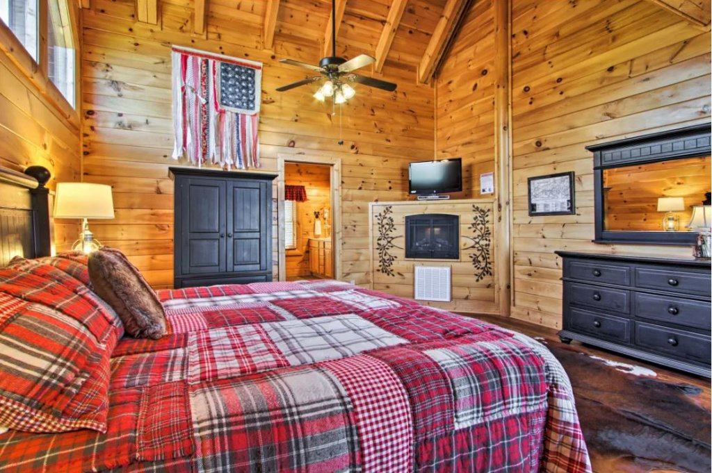 Photo of a Sevierville Cabin named Tennessee Star Lodge - This is the eighth photo in the set.