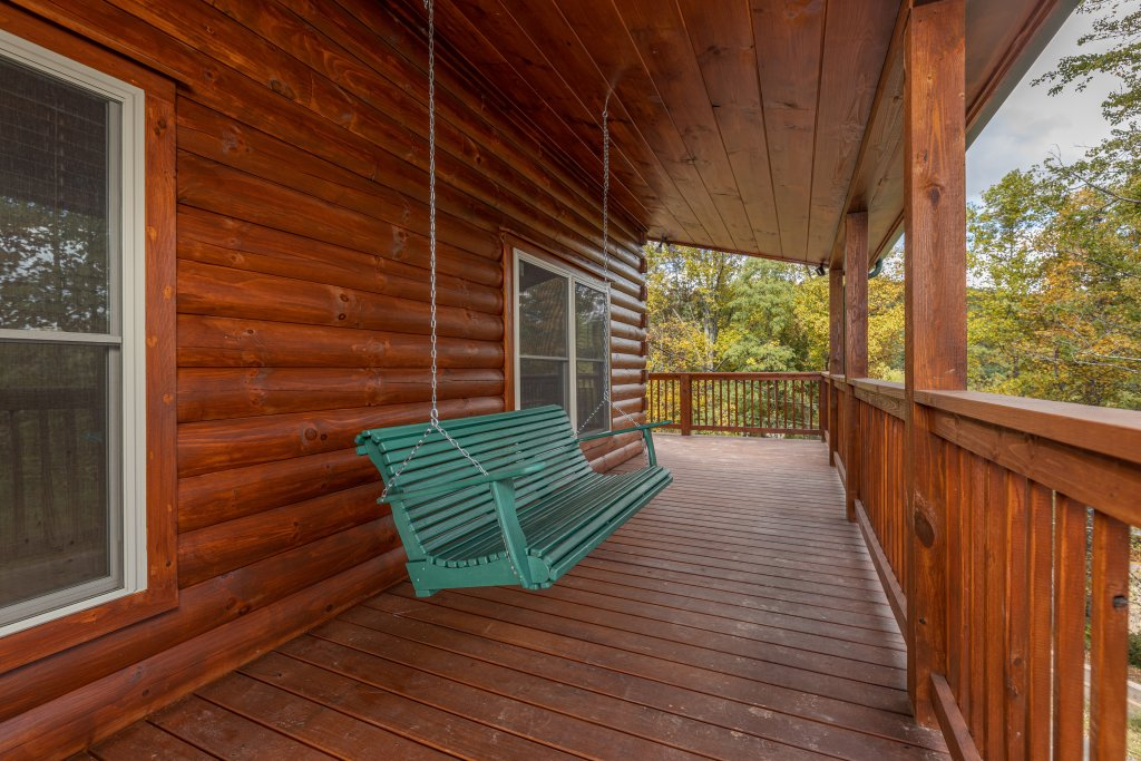 Photo of a Gatlinburg Cabin named Smoky Retreat - This is the twenty-first photo in the set.