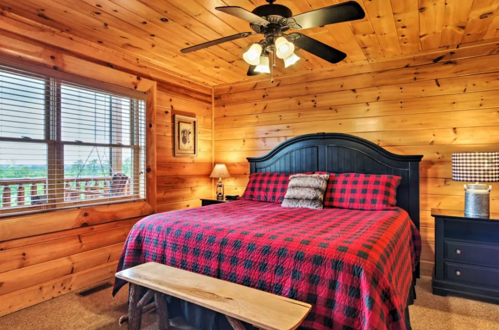 Photo of a Sevierville Cabin named Tennessee Star Lodge - This is the seventeenth photo in the set.