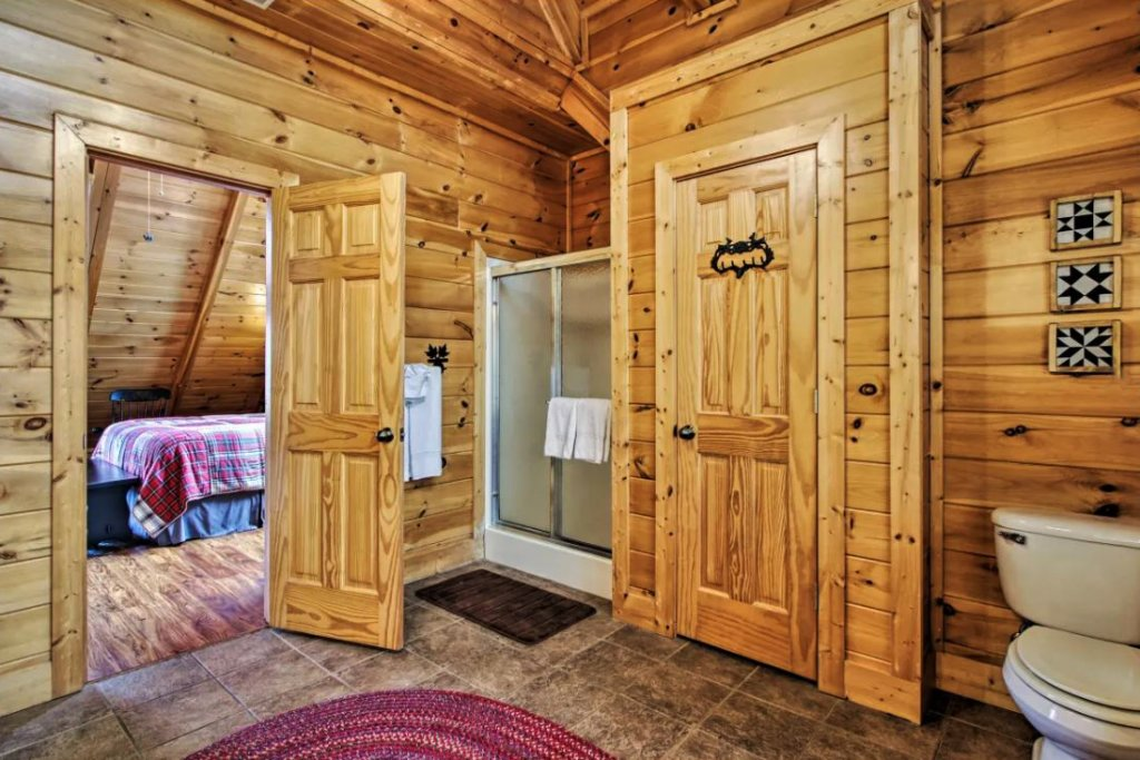 Photo of a Sevierville Cabin named Tennessee Star Lodge - This is the twelfth photo in the set.